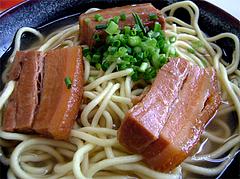 なかよし食堂の三枚肉そば(沖縄そば)@石垣島