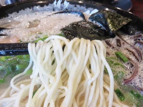 9味玉チャーシューメン麺