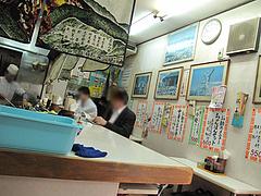 3店内:カウンター@長崎飯店・天神