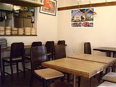 テーブル席@ベトナム料理ゴンゴン・福岡市中央区平尾