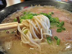 8ランチ:ラーメン麺@ラーメン・博多一幸舎・太宰府インター店