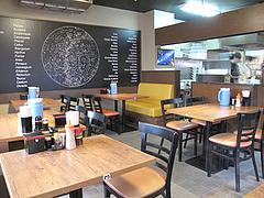 2店内:テーブル・カウンター@七福亭ラーメン・七隈