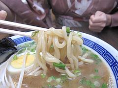 料理:博多極太わとんこつら~めんスープ麺@ダーチャ・まんぼ亭・赤坂門市場