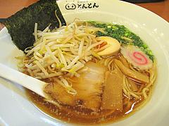 料理:濃円醤油らーめん+もやし@黒豚餃子とんとん