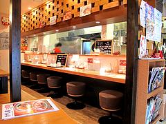 店内:カウンターとテーブル席@チャイニーズダイニング斉(さい)・警固