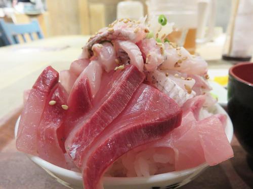 【福岡】天神で刺身乗せ放題の海鮮丼ビュッフェ♪@魚助食堂 福岡パルコ店