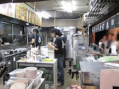 店内:厨房ライブ@秀ちゃんラーメン本店・警固