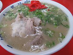 料理:ラーメン・カタ400円@元祖ラーメン長浜家・港