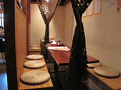 4店内:テーブル@麺倶楽部・居酒屋げんき・春吉店
