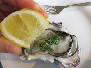 10岩牡蠣レモン@オイスタールーム
