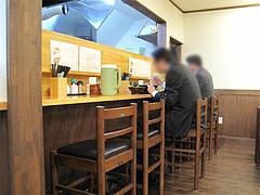 店内:カウンター席@麺工房はいど・博多区・吉塚