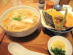 料理:野菜天うどん700円@讃岐うどん志成(しなり)
