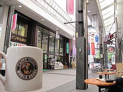 25外観:みどりや仏壇店・川端商店街@屋台KENZO Cafe(ケンゾーカフェ)・きたなトラン