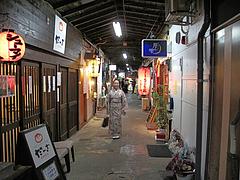 外観:さんかく市場の通り@ポコペンのペコポン・三角市場・福岡