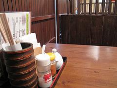 3店内:テーブル席@竹乃屋・電気ビル