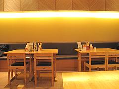 2店内:テーブル・カウンター@大福うどん・電気ビル店