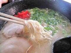 料理:ラーメン食べる@博多らーめんshin-shin住吉店