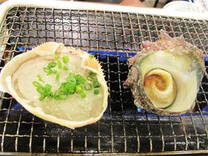 12サザエの壺焼きと蟹味噌甲羅焼き@磯丸水産