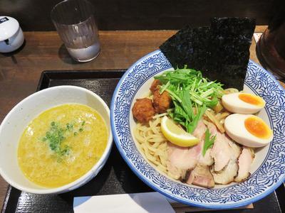 4濃厚鶏つけ麺スペシャル950円
