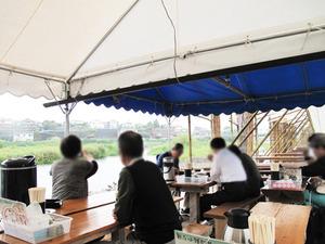 3テント席@日田鮎やな場