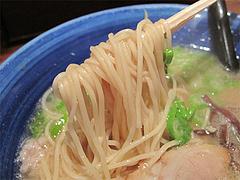 料理:六白ラーメン麺@ろくの家大黒・小倉