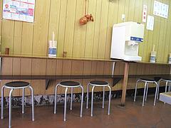 店内:カウンター@はるやうどん・小倉