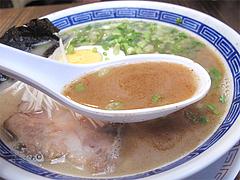 料理:博多極太わとんこつら~めんスープ@ダーチャ・まんぼ亭・赤坂門市場