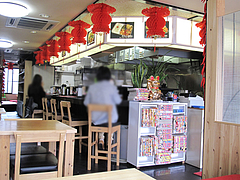 店内:カウンター・テーブル・小上がり@本格中華料理・翔悦・樋井川