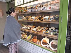 3外観:ショーケース見本@わっぱ定食堂・天神・今泉