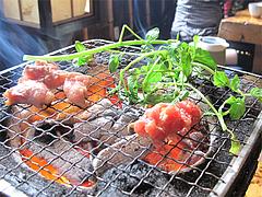 料理:地鶏炭焼を育てる@地鶏炭火焼・佐土野家・湯布院(由布院)
