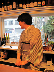 1店内:ユキノ店長さん@バー・Yumekichi Wine(ユメキチワイン)
