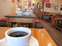 店内:テーブル席@タイ屋台料理&ヌードル・オシャ