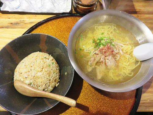 11鶏そば炒飯セット750円