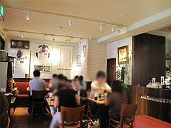 3店内:テーブル席@ピザとパスタの店・らるきい・大手門