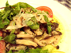 木の子のサラダ@イタリア料理カピート