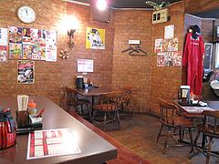 店内:テーブル席@拉麺空海・雑餉隈駅前店