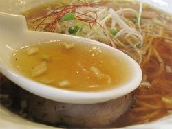 8中華そばスープ@中華そば六(ろっぽう)