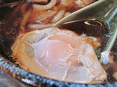 料理:肉肉うどんの生玉子+100円@元祖肉肉うどん・博多区店屋町