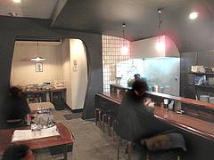 3店内:カウンター・テーブル@つどい・長浜・ラーメン
