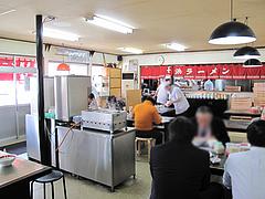 2店内:テーブル・小上がり@長浜ラーメン・福重家