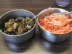 店内:辛子高菜と紅しょうが@一龍・福岡県春日市