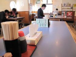 3店内:テーブル・カウンター@ラーメン鳳凛(ほうりん)