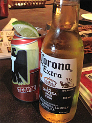 4コロナとテカテビール@メキシコ料理・エルボラーチョ・大名
