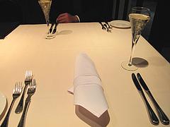 3店内:テーブル@カノビアーノ福岡・天神