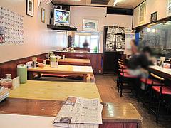 店内:テーブル席@本場久留米・うちだラーメン・那珂川