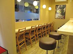 6店内:カウンター席@唐揚げ・みつせ鶏本舗・新天町・天神