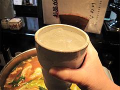 料理:芋焼酎の白波・水割り400円@牛もつ鍋なの川・福岡市中央区那の川
