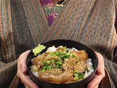 料理:海鮮丼大きさ@魚魚・居酒屋