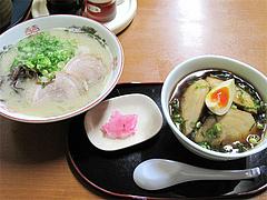 料理:チャーシュー丼セット(ラーメン+300円)@博多めんとく屋