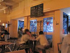 店内:天神の夜景が見える窓際席@cafe tempo(カフェ・テンポ)・今泉・天神